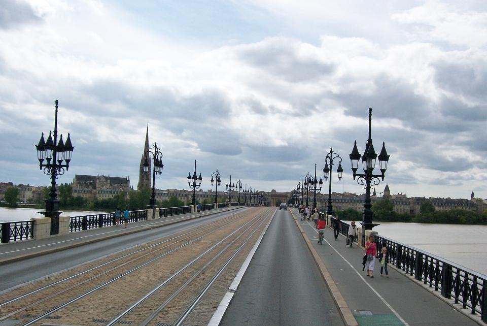 Pont de Pierre, Bordeaux
