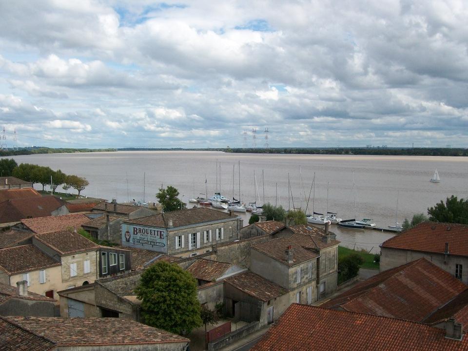 Vue sur l'Estuaire, Bourg sur Gironde